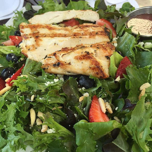 Bistro Salad - Gamekeepers Taverne, Chagrin Falls, OH