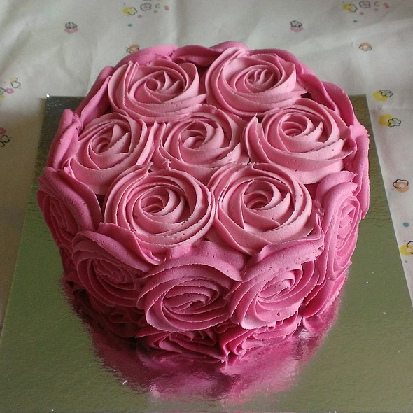 'Rose Bouquet' Madeira Cake