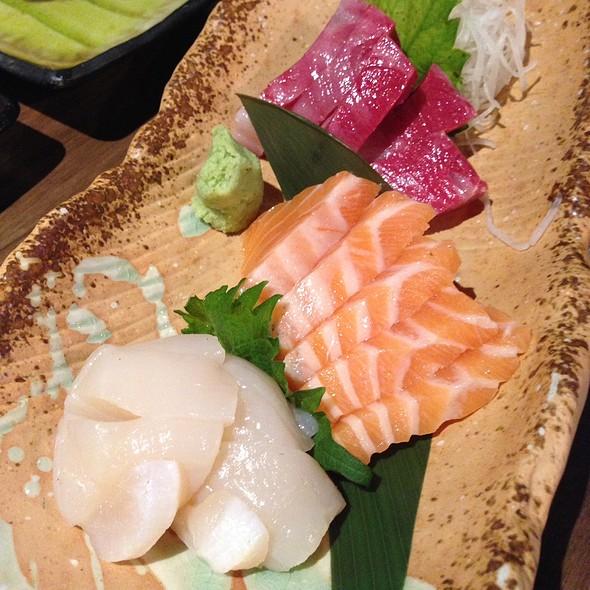 Sashimi @ Mr Max Cafe Nippon