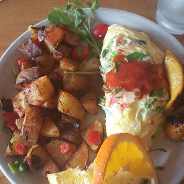 Latina Omelette