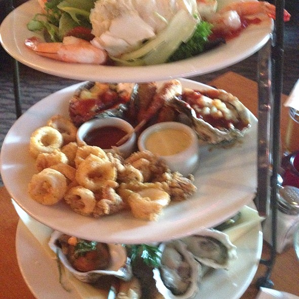 Seafood Tower @ Scott's Seafood on the River