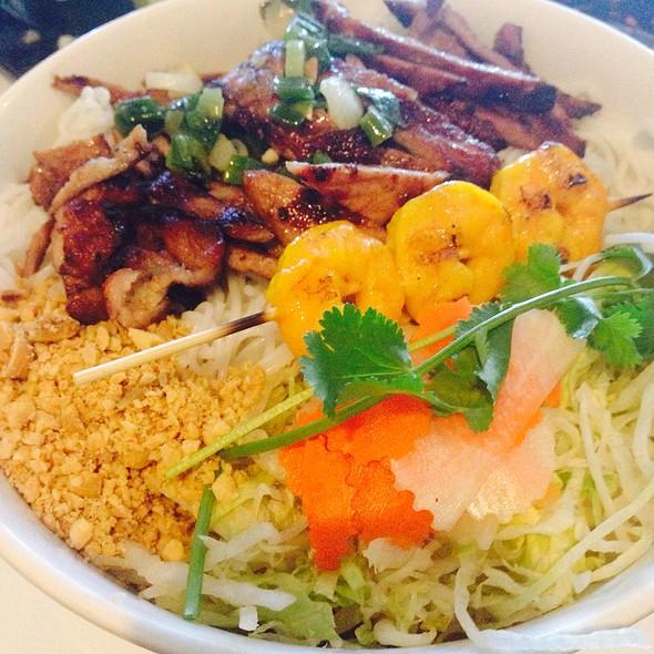 Charbroiled Pork & Springroll Vermicelli @ Pho Bac Hoa Viet