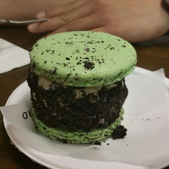 Mint Macarons w/ Cookies & Cream Ice Cream Sandwich