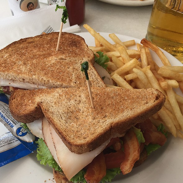 California Blt @ On the Waterfront Cafe