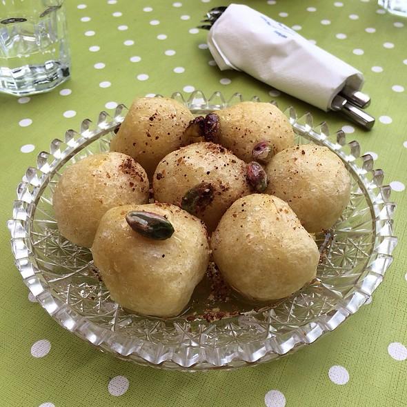 Loukoumades - Greek Donuts @ Rises Delicacies