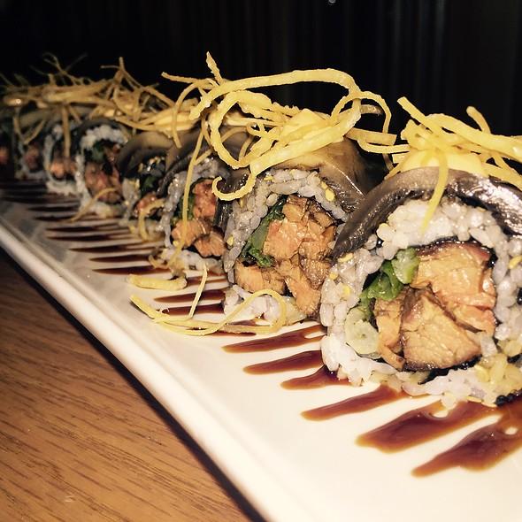Teriyaki Steak Sushi Roll