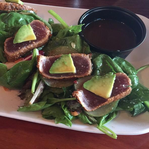 Tuna tataki @ Monty's Seafood Restaurant