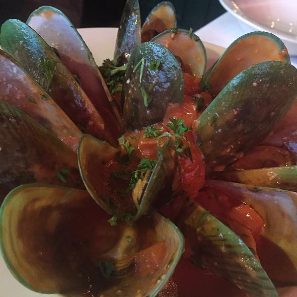 Mussels - Carlitos Gardel Argentine Steakhouse, Los Angeles, CA