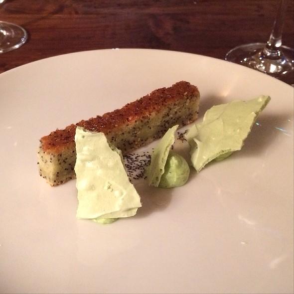 Poppyseed Cake, Dill Merengue @ Dóttir