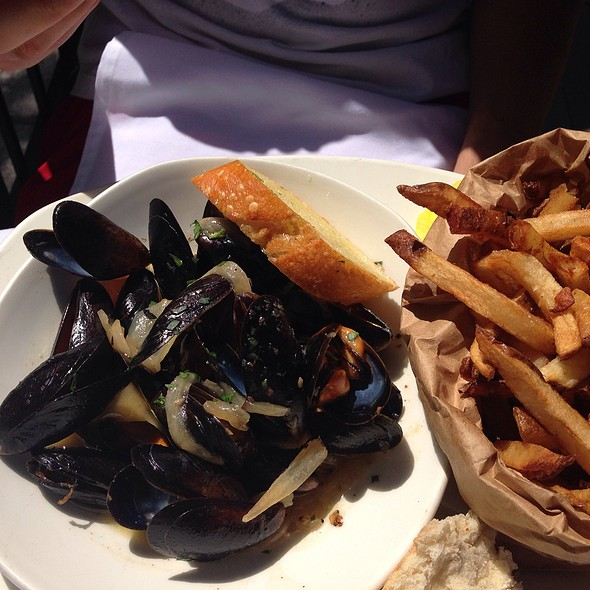 Steamed Mussels - Atlantic Fish, Boston, MA