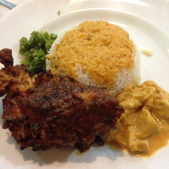 Spicy chicken with rice @ Upi Jaya