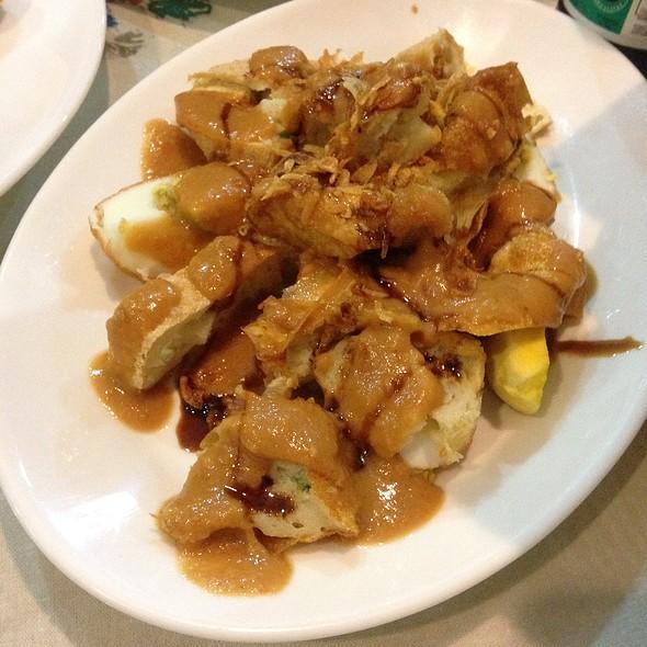 Fried Fish Cake, Sumai And Egg @ Upi Jaya