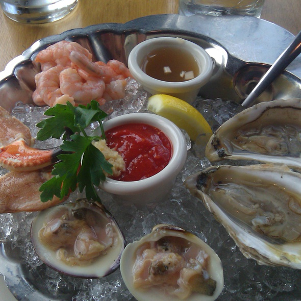 raw oysters - Old Port Sea Grill, Portland, ME