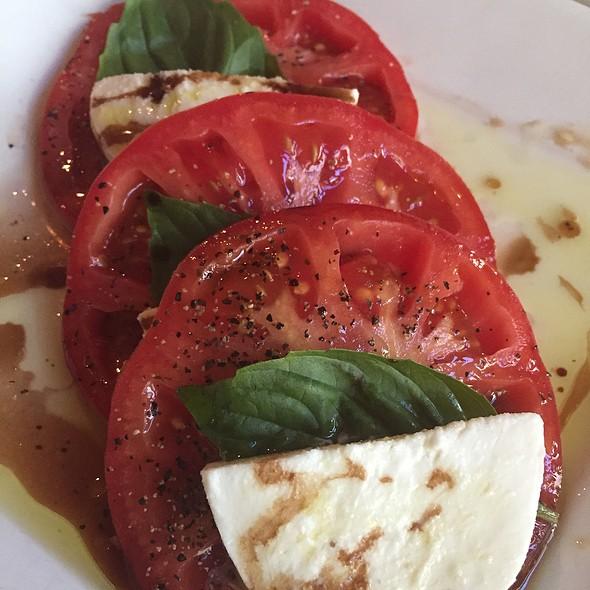 tomato and mozzerella - Michaelangelo's, Cleveland, OH