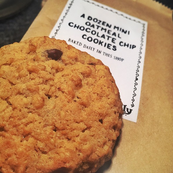 Oatmeal Chocolate Chip Cookie @ Potbelly Sandwich Shop - The Woodlands