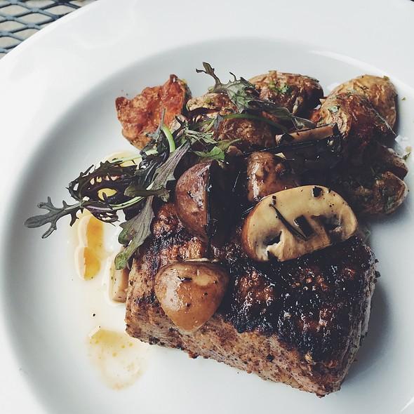 Steak @ 9 Bean Rows
