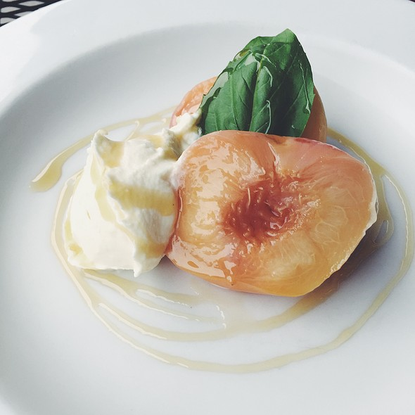 Wine-Poached Peaches With Mascarpone @ 9 Bean Rows