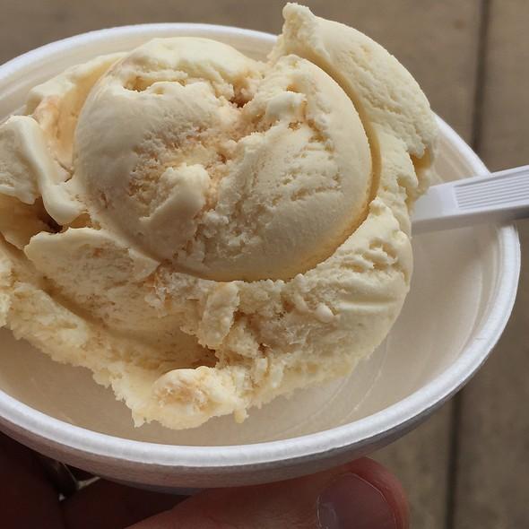 Salted Caramel @ Bonnie Brae Ice Cream