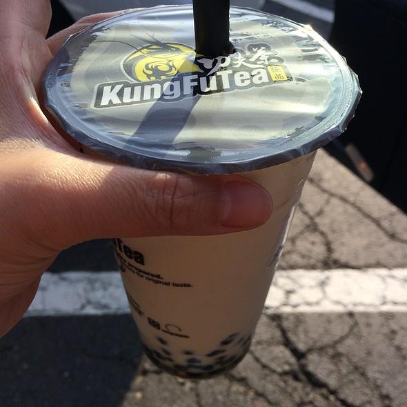 Milk Tea With Bubbles @ Kung Fu Tea
