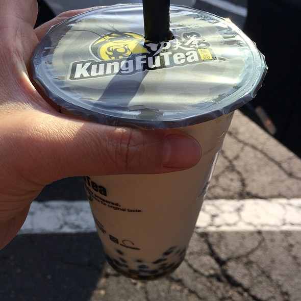 Milk Tea With Bubbles @ Kung Fu Tea