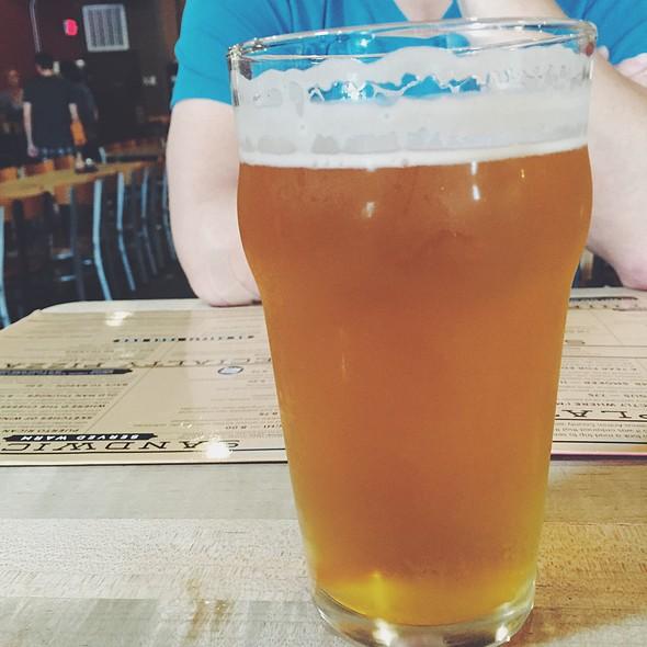 Short's Howlin' Chinaski @ Short's Brewing Company