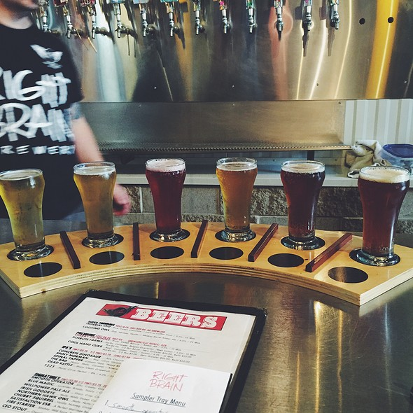 Beer Flight @ Right Brain Brewery