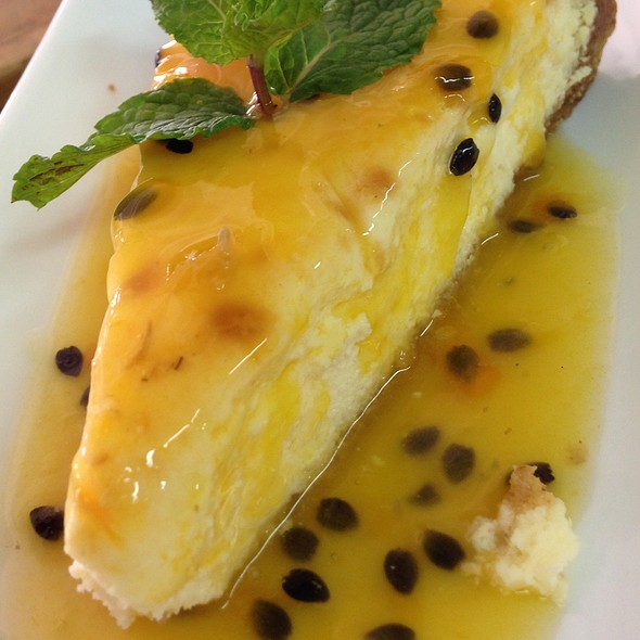 Cheesecake De Chinola @ Tracadero