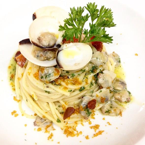 Espaguetti Con Almejas Y Bottarga @ Tracadero