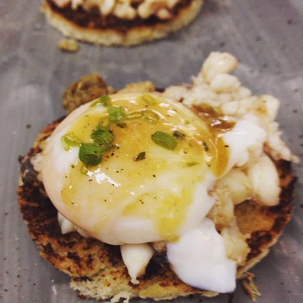 Huevos Poche @ Tracadero