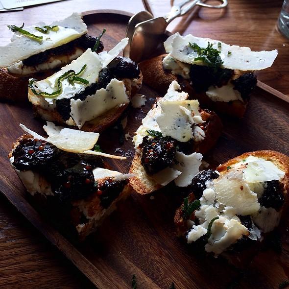 Goat Cheese Bruschetta