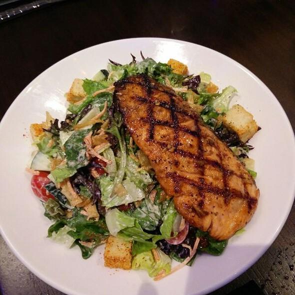 Smoked Salmon Salad - Kona Grill - Baltimore, Baltimore, MD