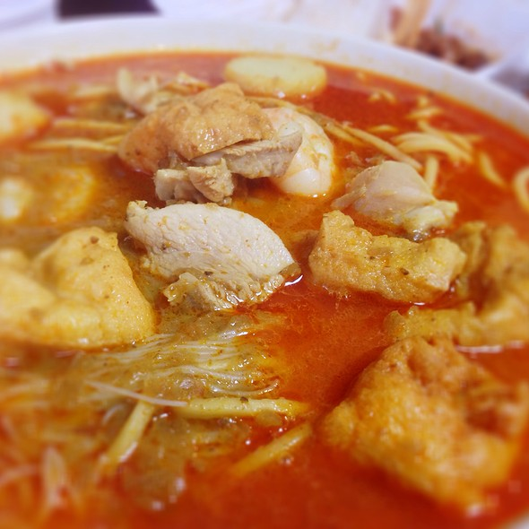 Curry Laksa @ One2 Snacks