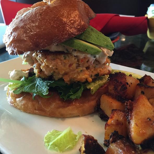 Salmon burger @ Prosecco Café