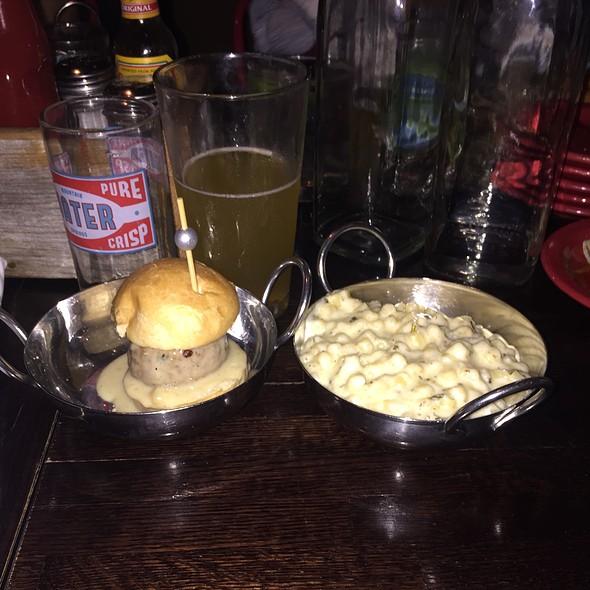Turkey Meatball With Chicken Gravy & Parmesean Mac & Cheese