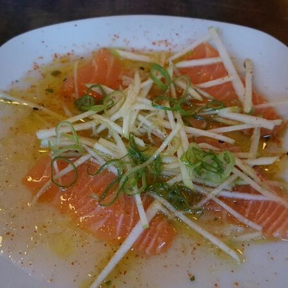 Salmon Sashimi @ Saint Sushi Bar