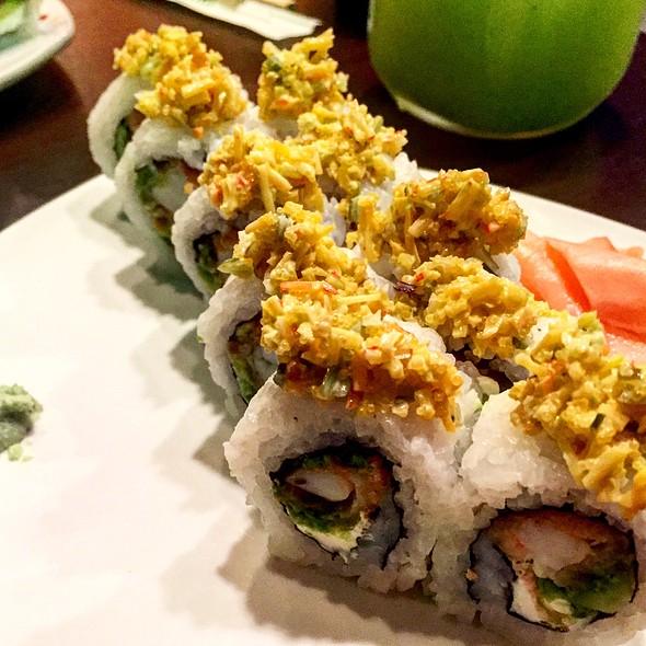 Sushi Roll @ Ikisushi