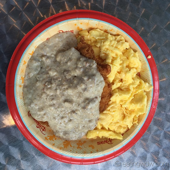 Chicken Fried Chicken With Sausage Gravy @ Everything Pop Shopping and Dining