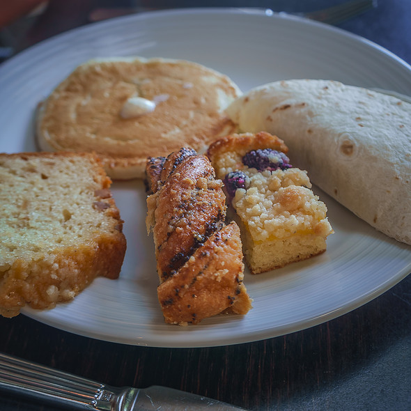 Assorted Breakfast Pastries - Son'z Steakhouse, Lahaina, HI
