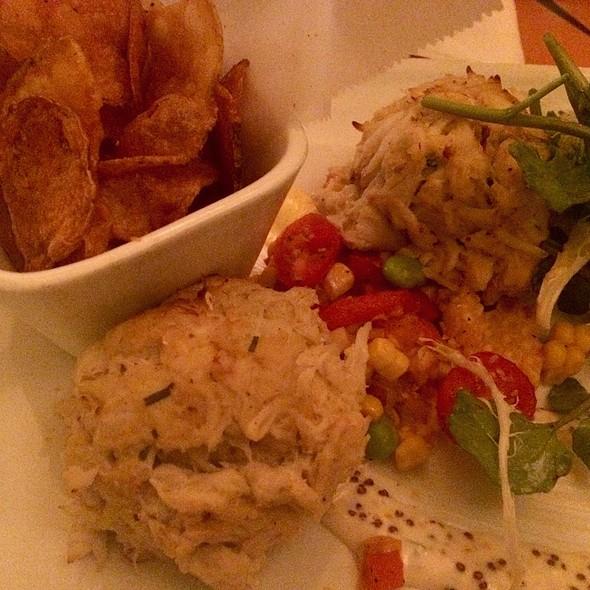 Lump Crabcakes @ Captain's Grille