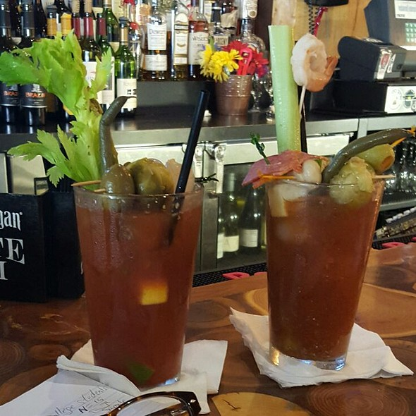 Bloody Mary - Medici in Normal, Normal, IL
