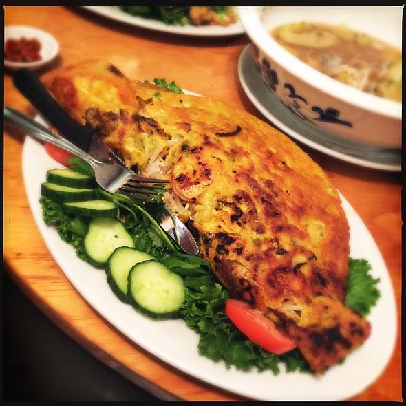Banh Xeo (Vietnamese Crispy Crepe)