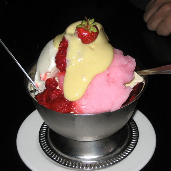 strawberry sundae @ Locanda Verde