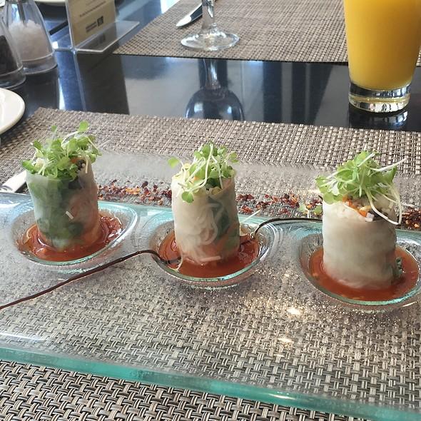 Springrolls @ Misto lobby dining, Seda Hotel