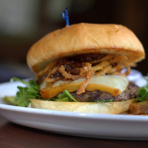 Firestone Burger @ de Vere's Irish Pub