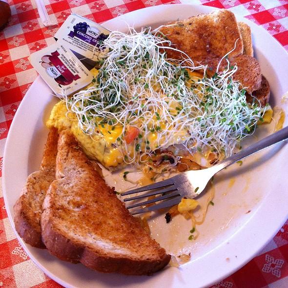 Vegi Omelette @ Montana Cafe