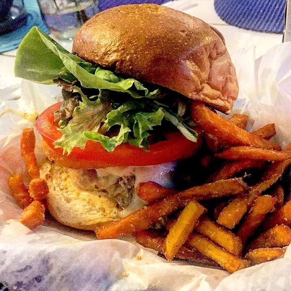Tuna Burger @ The Fish Market