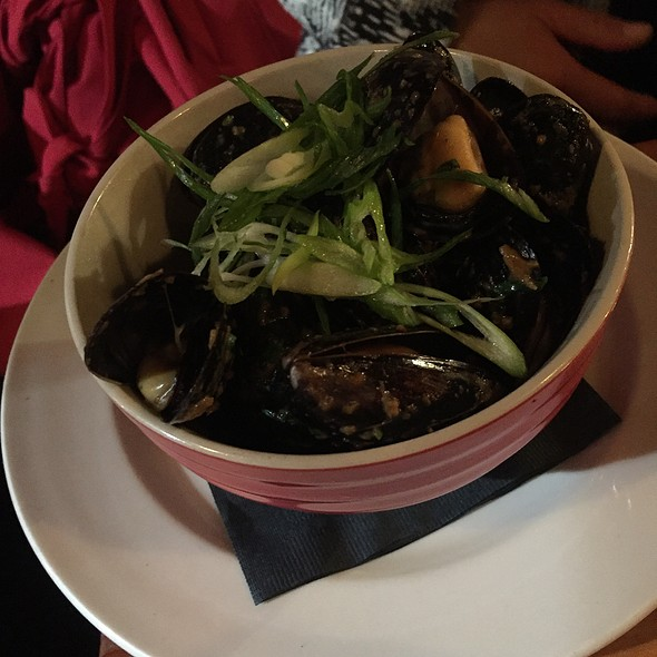 Mussels - Calabash Bistro, Vancouver, BC