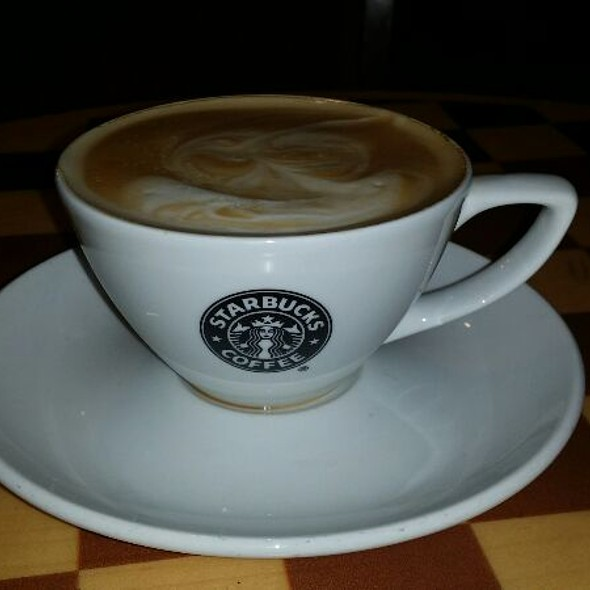 Flat White @ Starbucks