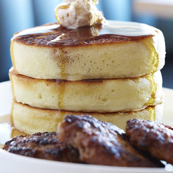 Short Stack Buttermilk Pancakes @ The Front Room Tavern