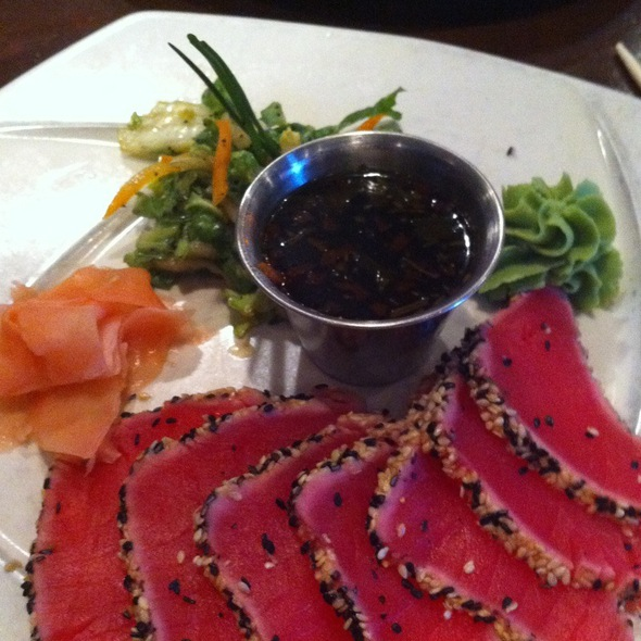 Seared Ahi Tuna @ Jake's City Grille